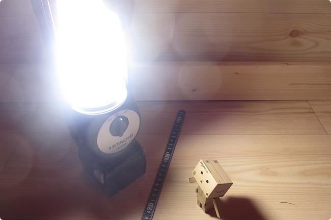 UB18DSL-蛍光灯